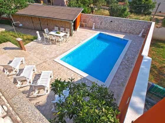 Pool und Terrasse - Bild 2-- Objekt 160284-8 Bild 1