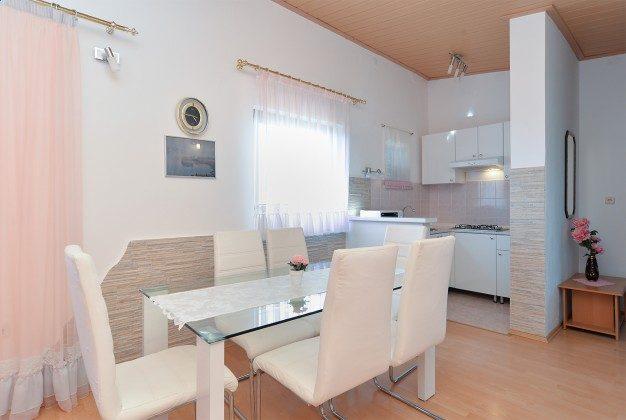A2 Essplatz und Küchenzeile - Bild 2 - Objekt 160284-93