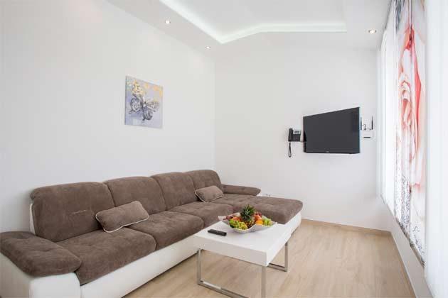 Apartment 4+1 Schlafsofa