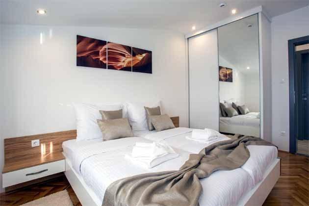 Apartment 4+1 Schlafzimmer mit Doppelbett