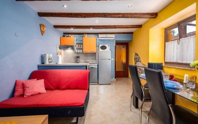 Wohnraum mit Küchenzeile - Bild 2 - Objekt 160284-9