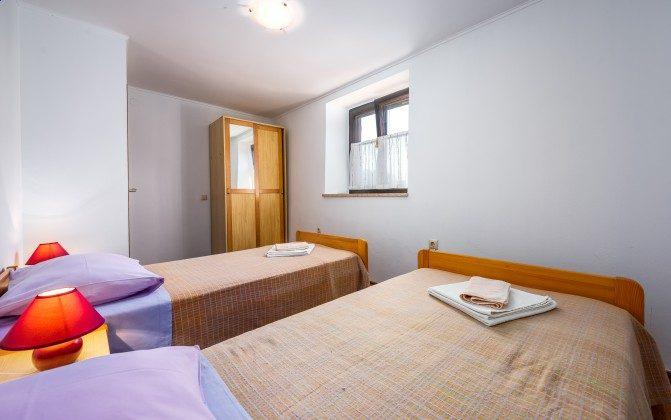 Schlafzimmer 2 - Bild 1 - Objekt 160284-9