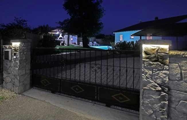 Zufahrt zum Haus - Objekt 201110-1