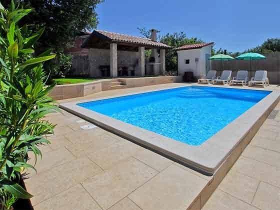 Pool und Grillterrasse - Bild 1 - Objekt 201110-1