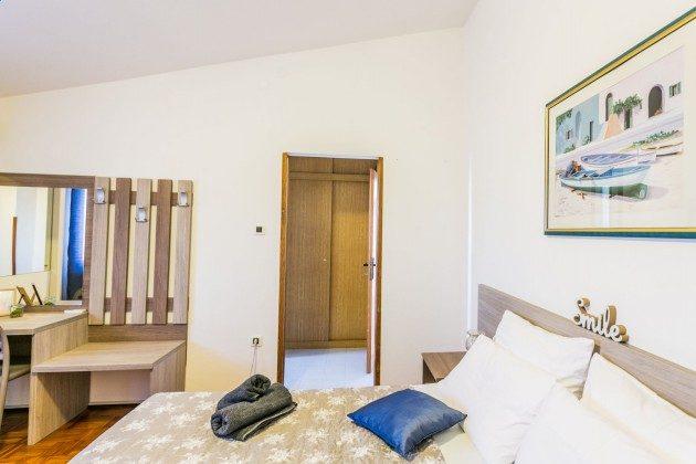 Schlafzimmer 2 - Bild 2 - Objekt 225602-8