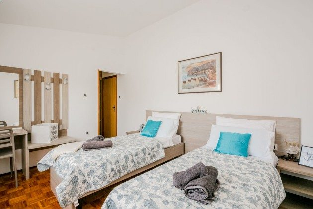Schlafzimmer 5 - Objekt 225602-8