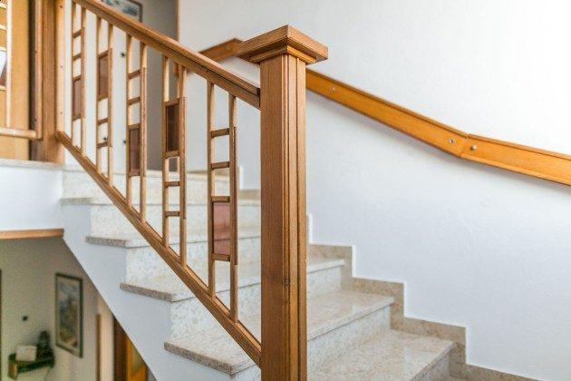 Treppe ins Obergeschoss - Objekt 225602-8