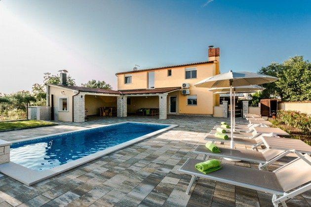 Ferienhaus und Pool - Objekt 225602-8
