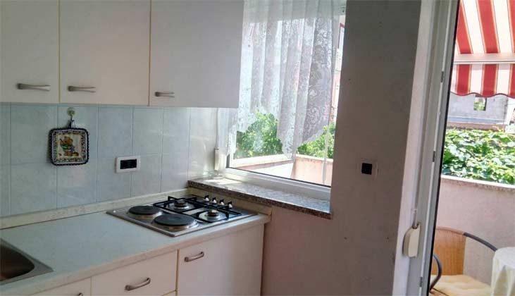 ST2 Küchenzeile und Balkontür - Objekt 160284-268