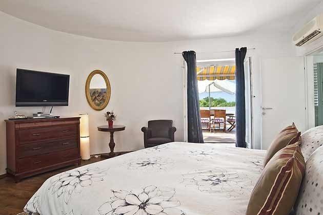 Schlafzimmer 2 von 4 - Objekt 138493-15