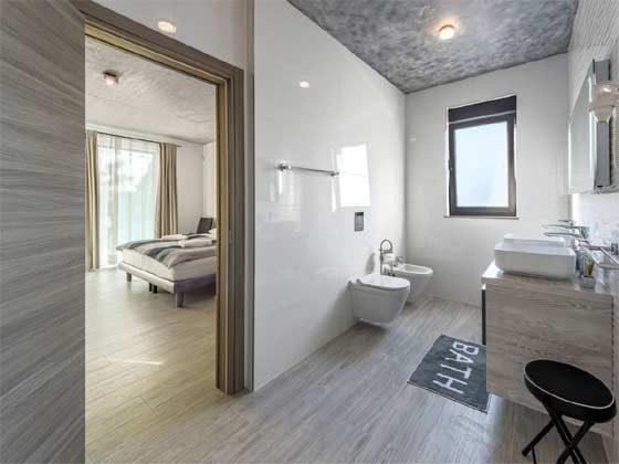 Schlafzimmer 1 von 5 mit Bad en suite - Beispiel 1 - Objekt 203989-1