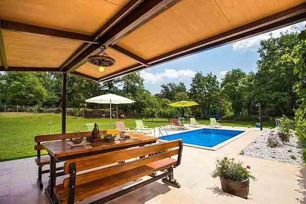 Terrasse und Pool - Bild 2 - Objekt 160284-125