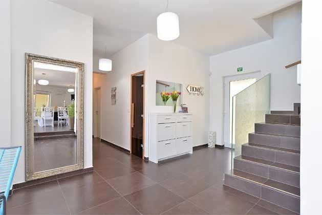 Treppe ins Obergeschoss - Objekt 160284-255