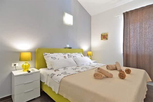 Schlafzimmer 1 von 6 - Bild 1 - Objekt 160284-255