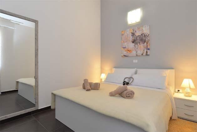 Schlafzimmer 2 von 6 - Bild 1 - Objekt 160284-255