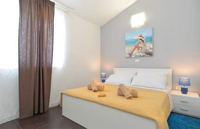Schlafzimmer 3 von 6 - Bild 1 - Objekt 160284-255