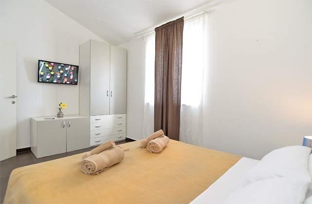 Schlafzimmer 3 von 6 - Bild 2 - Objekt 160284-255