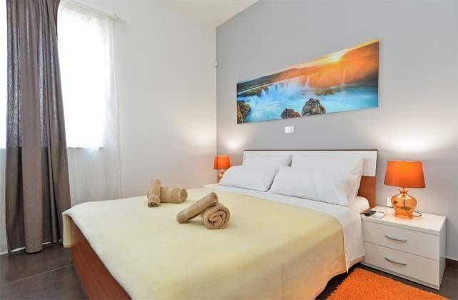 Schlafzimmer 4 von 6 - Bild 1 - Objekt 160284-255