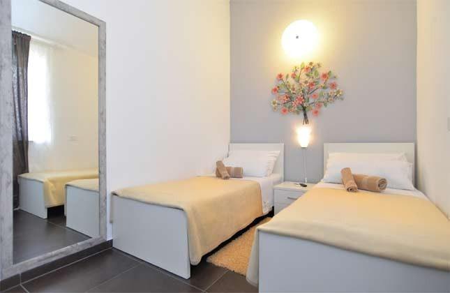 Schlafzimmer 5 von 6 - Bild  1 - Objekt 160284-255