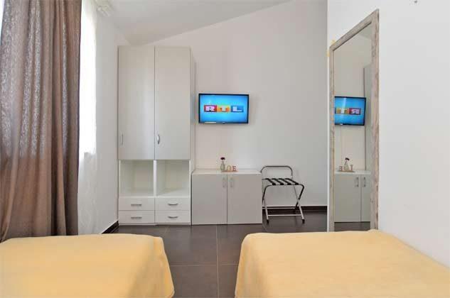 Schlafzimmer 5 von 6 - Bild 2 - Objekt 160284-255
