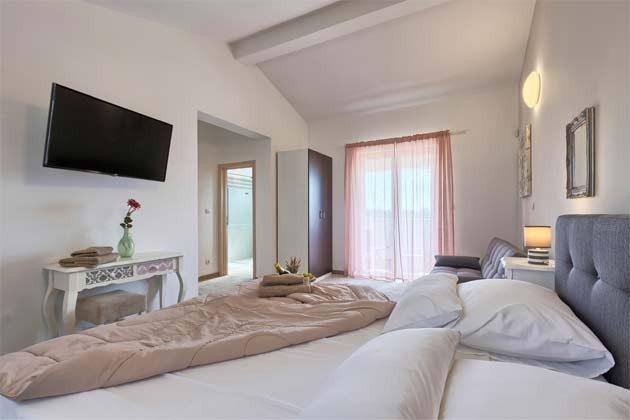 Schlafzimmer 1 - Bild 1 - Objekt 160284-258