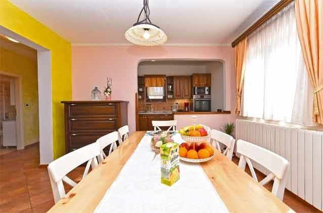 Blick vom Essplatz in die Küche - Objekt 160284-260