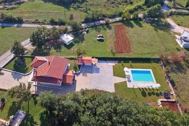 Luftaufnahme von Haus und Garten - Objekt 160284-260