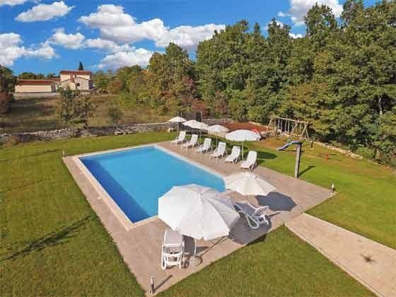 Pool und Sonnenterrasse - Bild 2 - Objekt 160284-260
