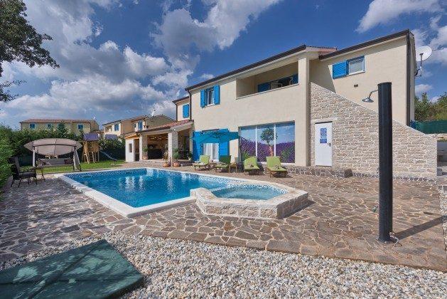 Villa und Pool - Bild 1 - Objekt 160284-286