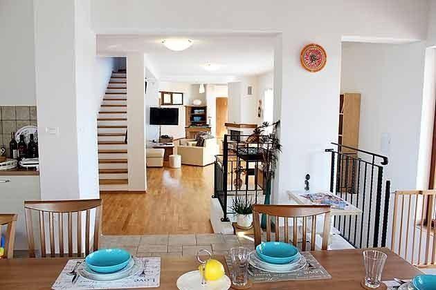 Blick von der Küche in den Wohnraum - Objekt 165118-1