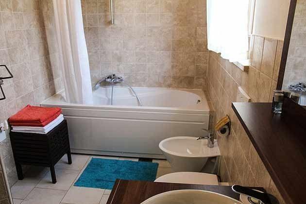 Badezimmer 1 im Obergeschoss - Bild 2 - Objekt 165118-1