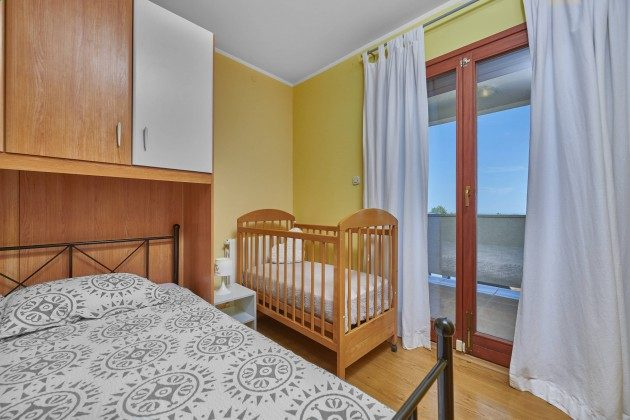 Schlafzimmer 2 - Bild 2 - Objekt 225602-10