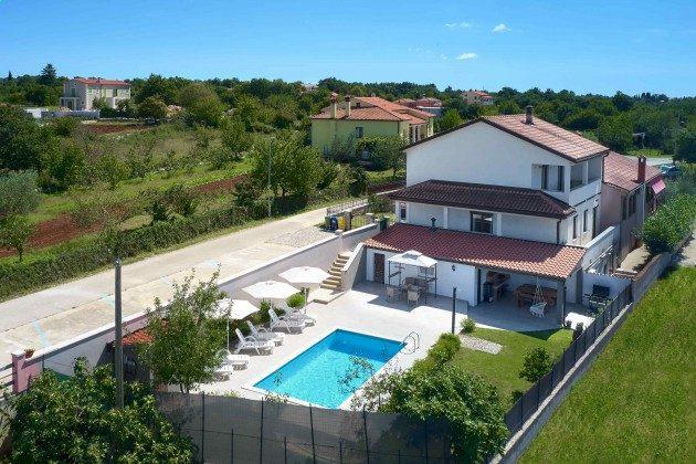 Ferienhaus und Pool - Bild 2 - Objekt 225602-10