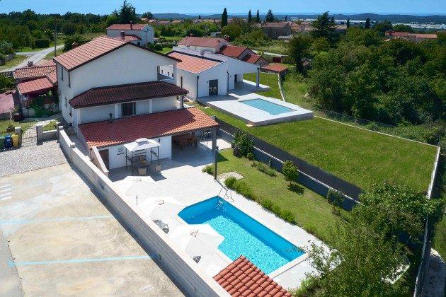 Ferienhaus und Pool - Bild 3 - Objekt 225602-10