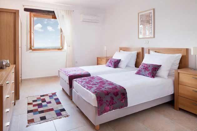 Schlafzimmer 2 von 4 - Objekt 138493-13