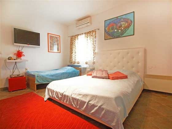 Schlafzimmer 1 von 4 - Objekt 160284-127