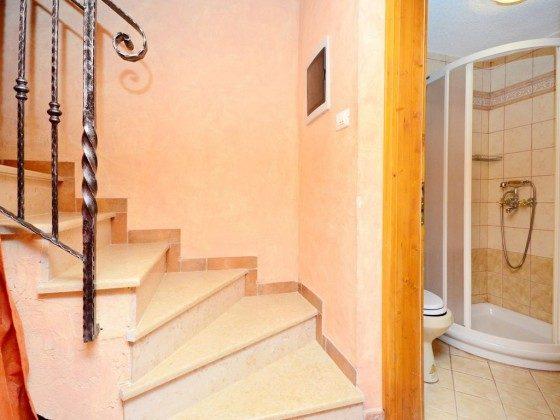 A1 Treppe ins Souterrain - Bild 2 - Objekt 160284-321