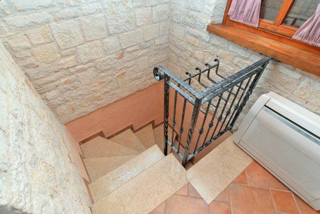 A1 Treppe ins Souterrain - Bild 1 - Objekt 160284-321