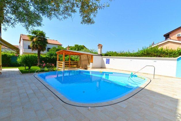 Pool und Sommerküche - Bild 1 - Objekt 160284-239