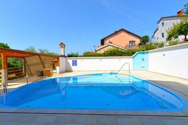 Pool und Sommerküche - Bild 2 - Objekt 160284-239