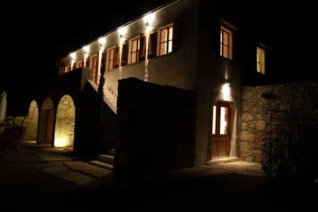 Hausfront bei Nacht - Objekt 161462-1