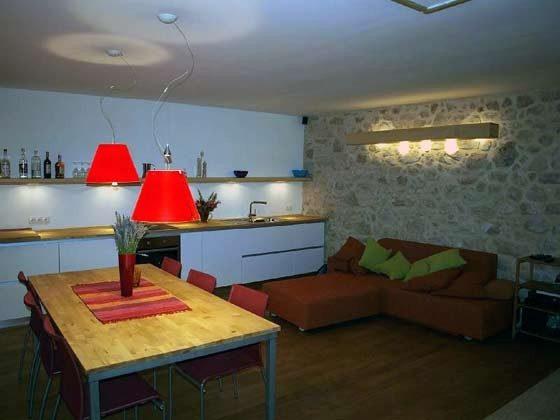 Schlafsofa und Küchenzeile- Objekt 161462-1