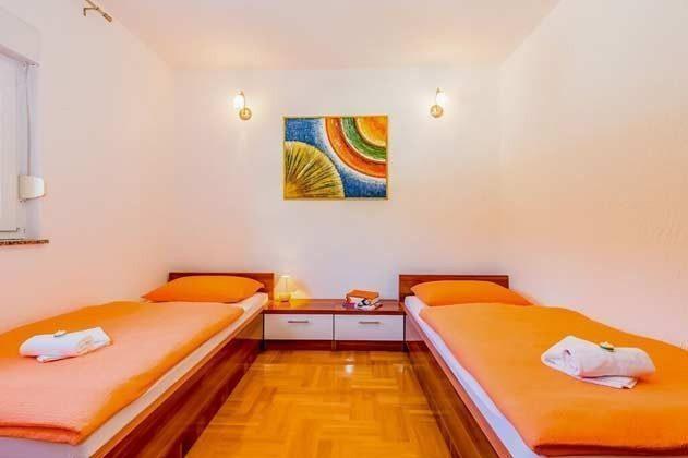Schlafzimmer 2 - Bild 12- Objekt 166117-5