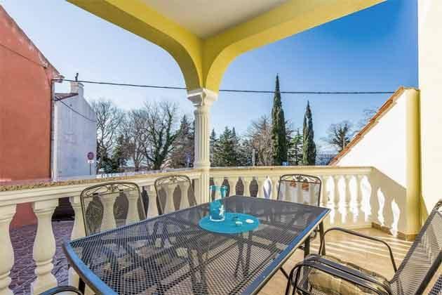 Terrasse vor der Wohnküche  - Bild 1 - Objekt 165117-6