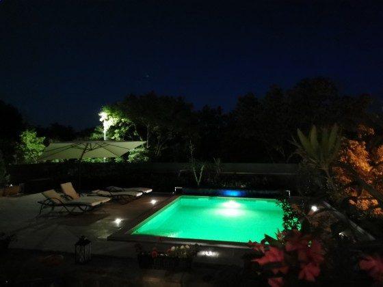 der Pool bei Nacht- Bild 3 - Objekt 136289-20