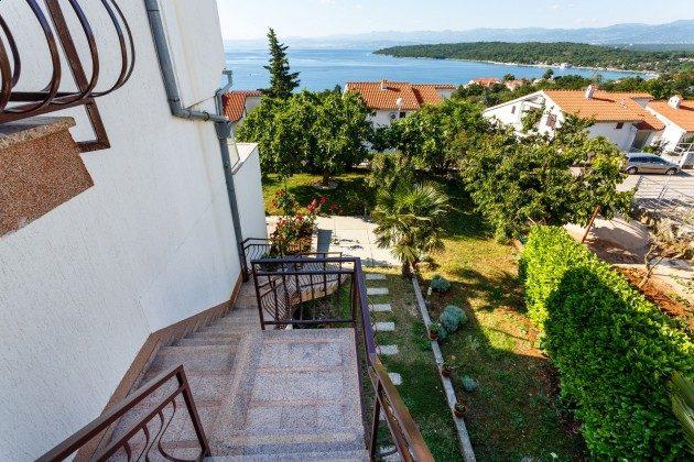Außentreppe zur Ferienwohnung - Objekt 136289-11