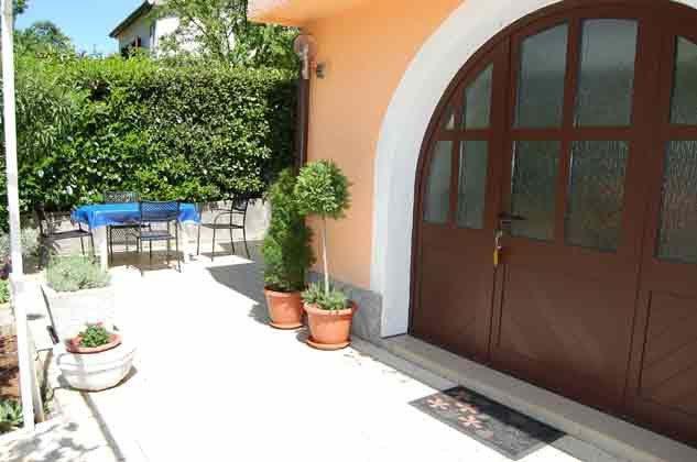 FW1 Eingang und Terrasse - Bild 1 - Objekt 136289-18