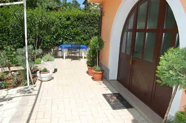 FW1 Eingang und Terrasse - Bild 2- Objekt 136289-18