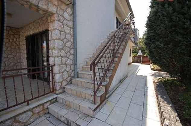 Außentreppe zur Wohnung - Objekt 136289-6