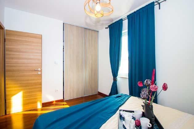 Schlafzimmer - Bild 4 - Objekt 1205001-1